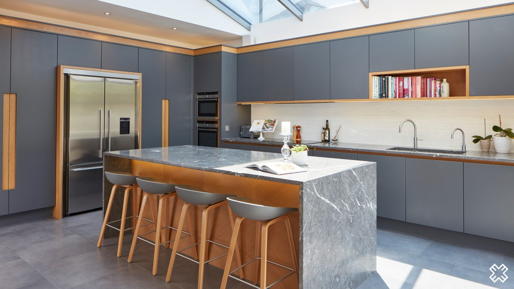 Bespoke contemporary kitchens extreme design for Extreme kitchen designs