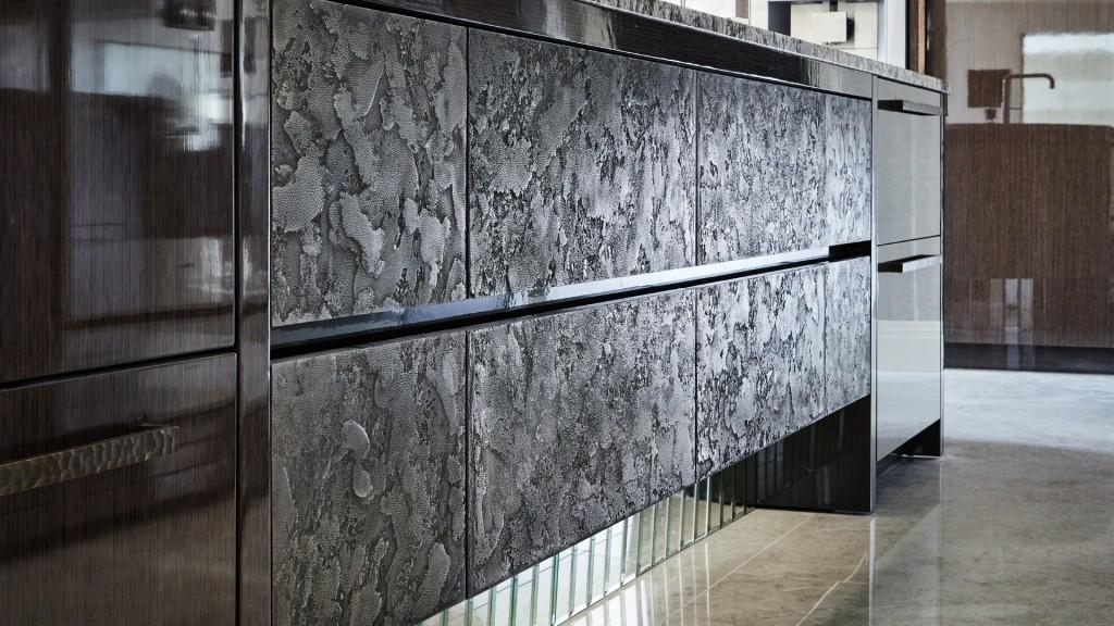 Extreme Luxury Kitchen Design Metal