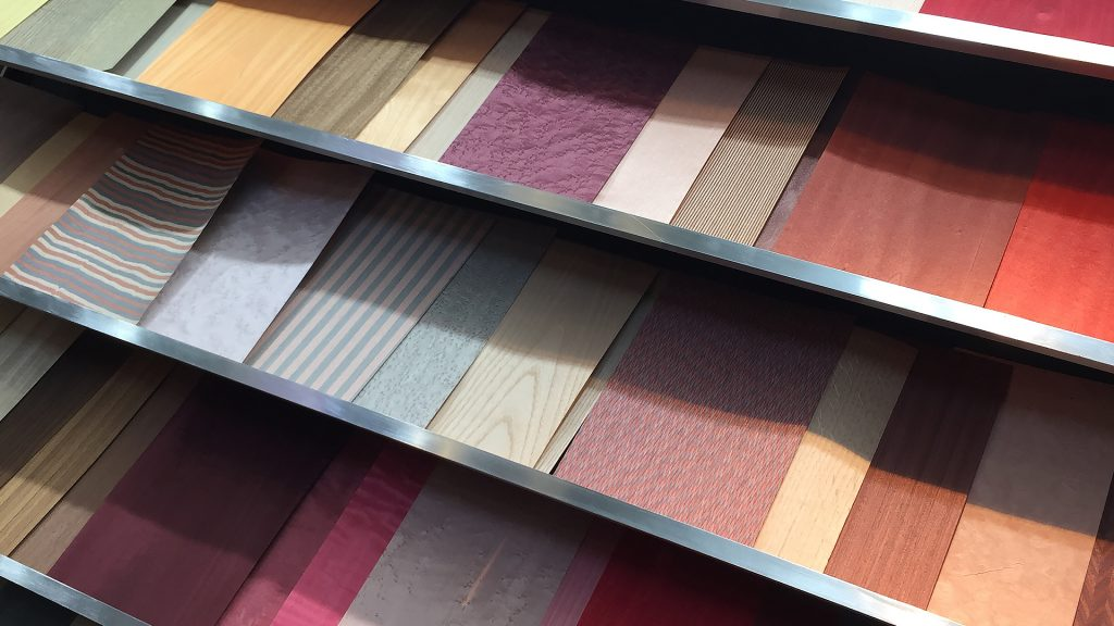 Veneers For Colourful Kitchen Design