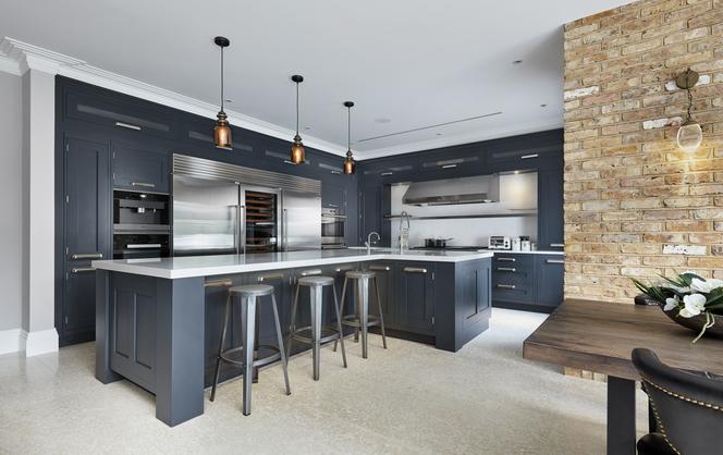 Dark luxury kitchen