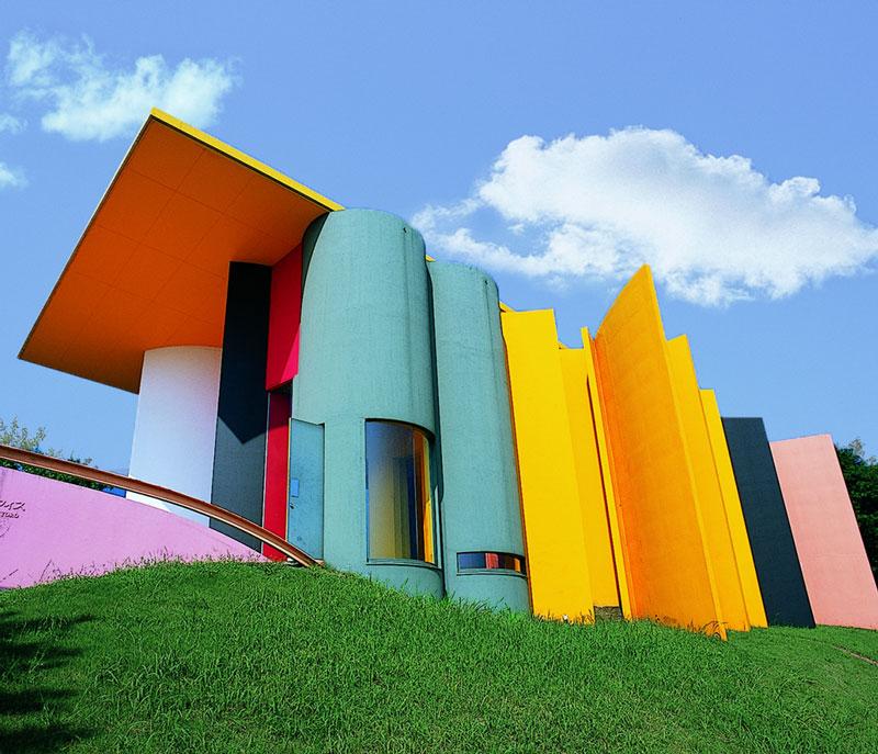 Colour Blocking Architecture - Site of Reversible Destiny Building