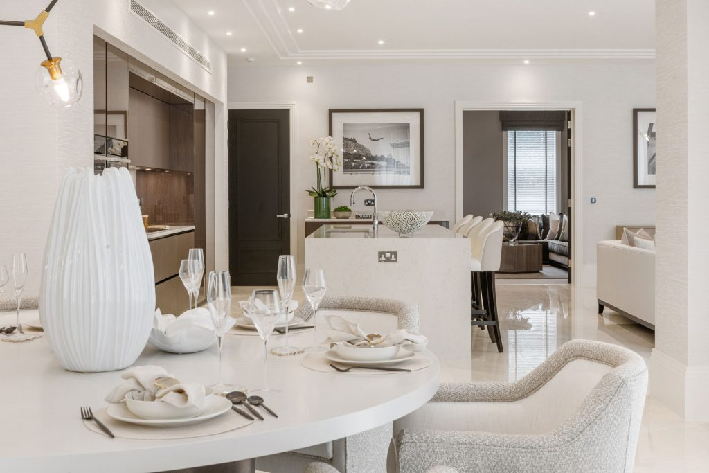 Luxury home with contemporary kitchen and dining area