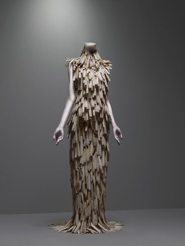 alexander mcqueen fashion collection - razor clam shell dress